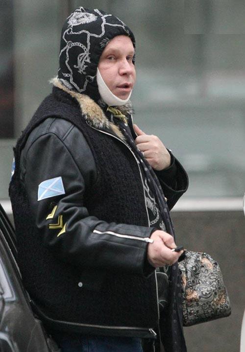 На Бориса Моисеева упал софит
