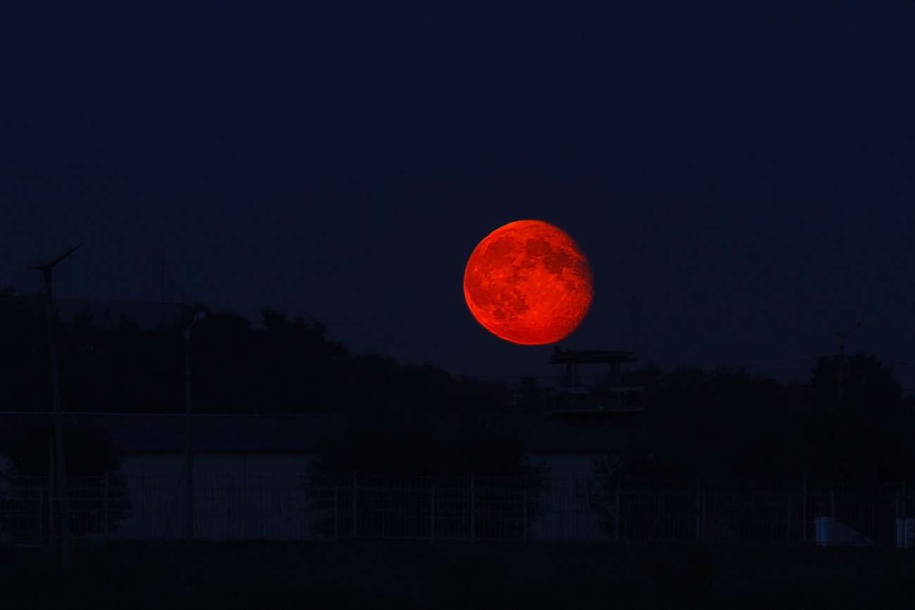 кровавое затмение луны картинки инкассации