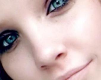 «Мама-убийца»: удочеренная американцами девочка нашла в России родителей