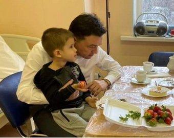 Слезы губернатора: как история с брошенными детьми стала шансом для их отца