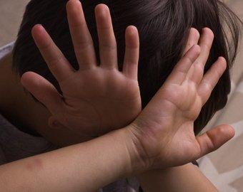 «Мачеха лишила меня девственности в 12 лет»: история жертвы насилия