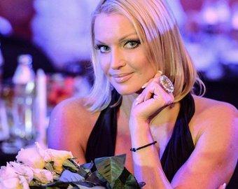«Я имею право пить, курить кальян и жить на одном помидоре в день»: Волочкова высказалась о своей диете