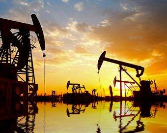 Нефть ушла в пике, а доллар обновил многолетние максимумы