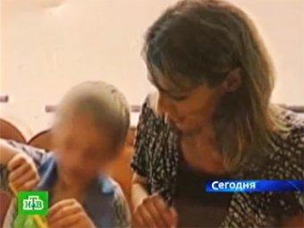 Приемная мать Артема Савельева пыталась легально отказаться от сына