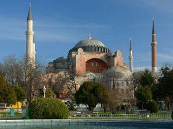 Турецкий премьер назвал сроки отмены визового режима с Россией