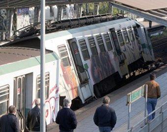 Столкновение поездов в Италии покалечило 120 человек