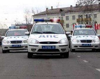 Автомобиль ГИБДД, сопровождавший кортеж чиновников, сбил девушку