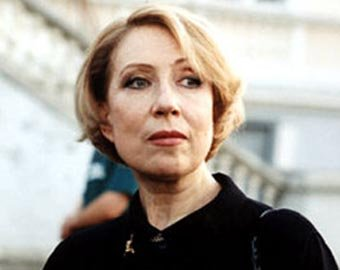 Инна Чурикова попала в больницу