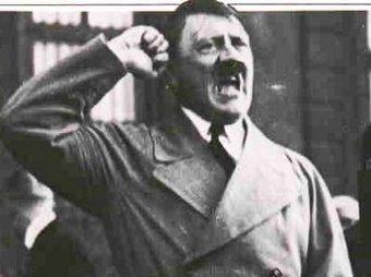 Гитлер в розовом оскорбил итальянцев