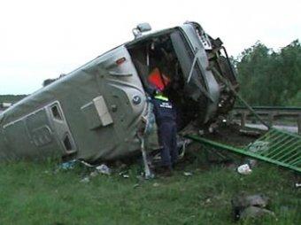 Под Липецком перевернулся автобус, есть погибшие