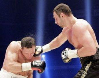 Виталий Кличко отстоял титул чемпиона мира, нокаутировав Сосновского
