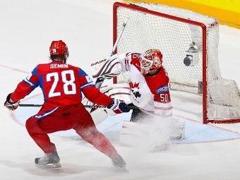 Российские хоккеисты победили канадцев и вышли в полуфинал ЧМ