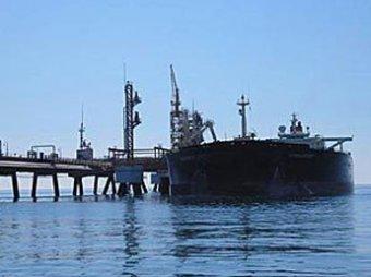 Сомалийские пираты захватили танкер с 23 россиянами