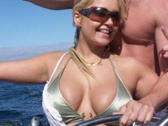 У американской модели в эфире взорвалась силиконовая грудь