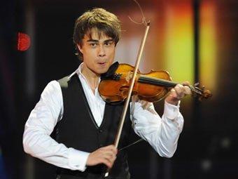 Александр Рыбак в порыве гнева разбил скрипку в прямом эфире