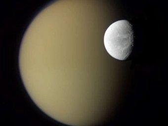 NASA: На спутнике Сатурна обнаружены признаки жизни
