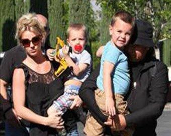 Бритни Спирс представляет опасность для своих детей