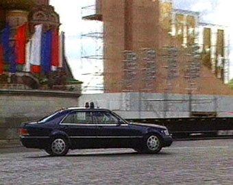На Кутузовском проспекте у машины из кортежа Путина лопнуло колесо