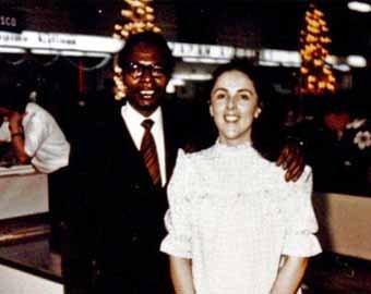 Мать Обамы в молодости позировала обнаженной