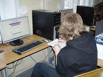 Фурсенко предлагает сдавать ЕГЭ через интернет