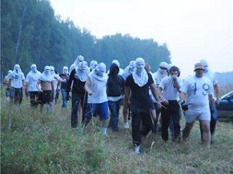 Около 100 людей в масках напали на защитников Химкинского леса