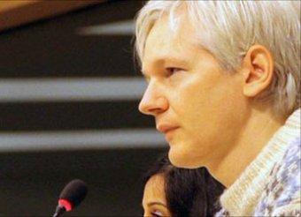 Создателя Wikileaks разыскивают за изнасилование