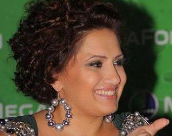 """Победительницей конкурса """"Новая волна-2010"""" стала певица из Армении"""