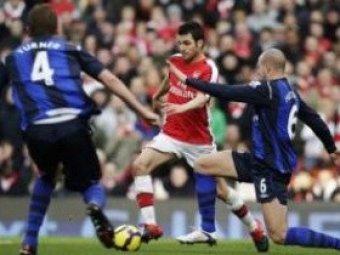 Сеск Фабрегас забил самый курьезный гол сезона в английской премьер-лиге