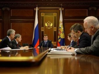 Полицейских РФ обяжут зачитывать задержанным права, а задержанным дадут право на звонок
