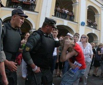 """Питерское ГУВД признало """"жемчужного прапорщика"""" невежливым и нетактичным"""