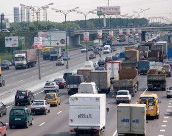 Грузовикам запретят передвигаться по МКАД в дневное время