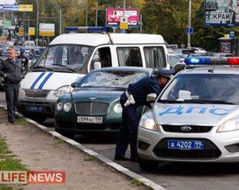 ГУВД: Владелец Bentley, сбивший пешехода на юге Москвы, задержан