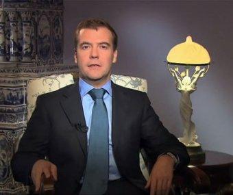 Медведев дал жесткий ответ Лукашенко, обвинив его в бесчестии