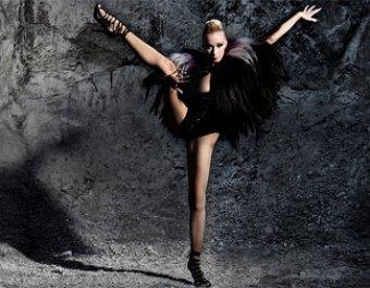Балерина, которую уволили за сексфото из Венской оперы, станцует голой