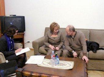 Путин впервые за год показался на людях с супругой