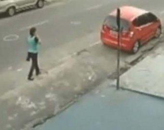 В Бразилии женщина чудом выжила после чудовищного ДТП
