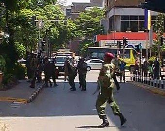 В Кении полицейский застрелил десять человек