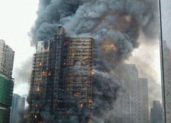 Крупный пожар в шанхайском небоскребе: 53 погибших