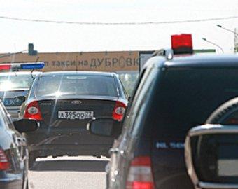 """Водитель, не пропустивший """"мигалку"""" из-за пробки, подвергся нападению"""