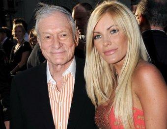 84-летний основатель Playboy обручился с 24-летней моделью