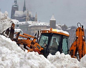Чехию и Великобританию парализовали снегопады
