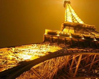 Эйфелева башня закрыта на неопределенный срок