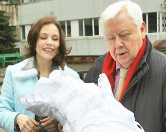 Жена Табакова обвинила няню дочери в краже драгоценностей