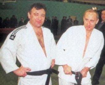 СМИ: друг Путина стал совладельцем подрядчика трассы через Химкинский лес