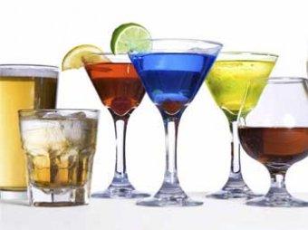 Главный нарколог России рассказал, чего и сколько пить в новогоднюю ночь