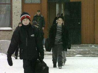 В школе Новосибирска учительницу избили на глазах учеников