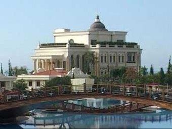Отель бывшего владельца Черкизовского рынка отключили от света за долги