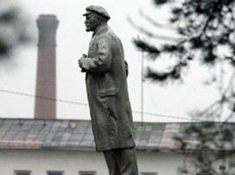 Под Петербургом взорвали памятник Ленину