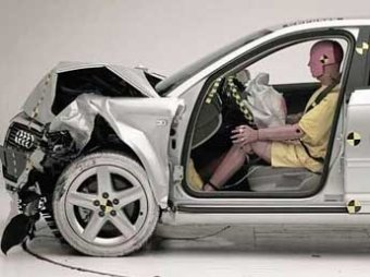 Названы самые безопасные машины 2011 года
