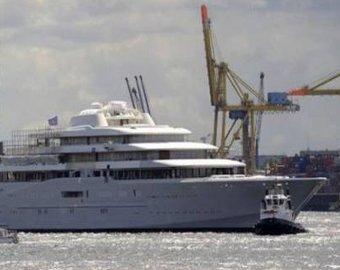 Роман Абрамович купил самую большую в мире яхту